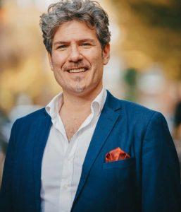 Yuri Sabatini, tenor